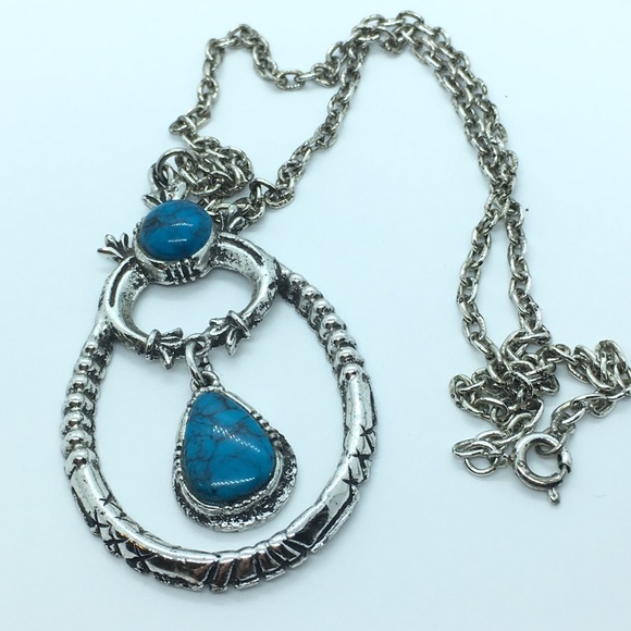 Jewelry - Faux Turqoise Necklace